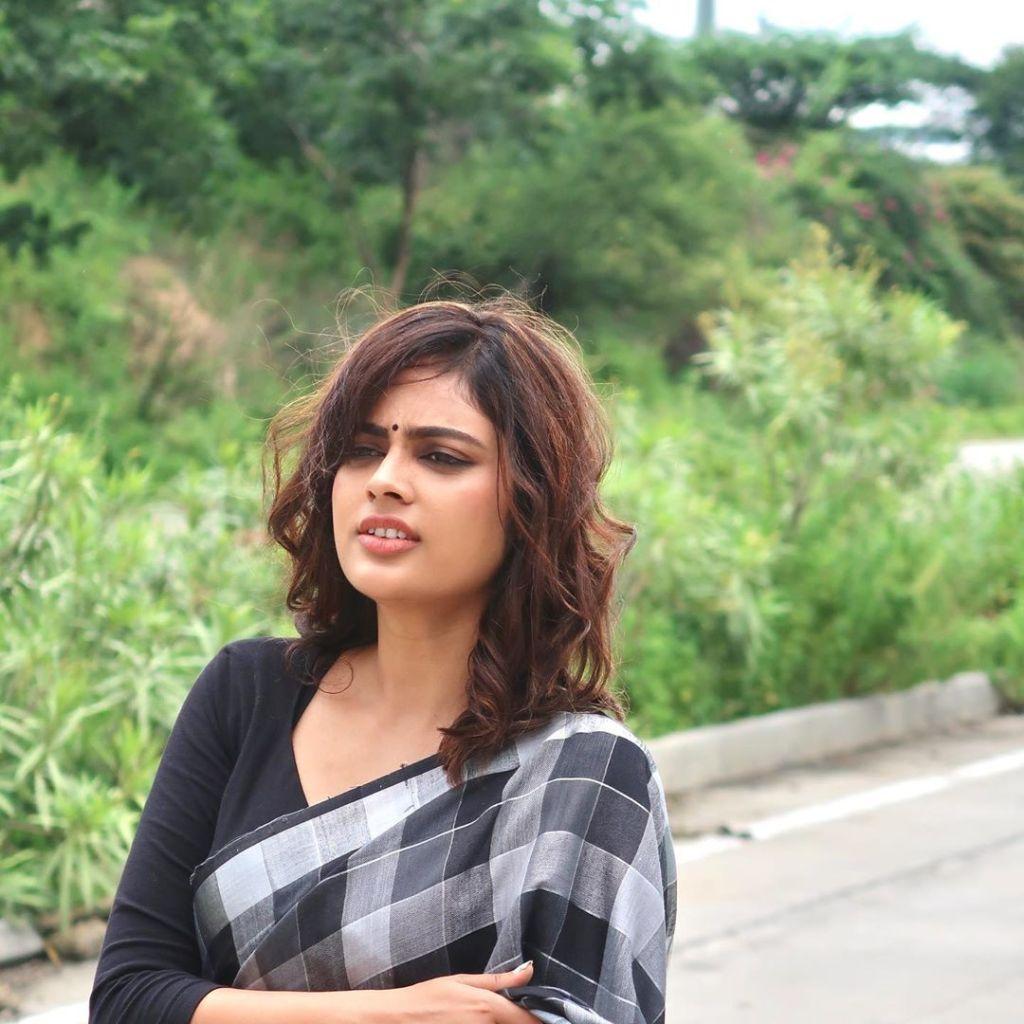 32+ Charming Photos of Nandita Swetha 11