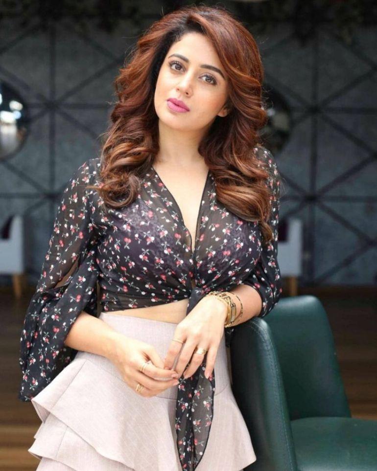 40+ Gorgeous Photos of Neha Pendse 48