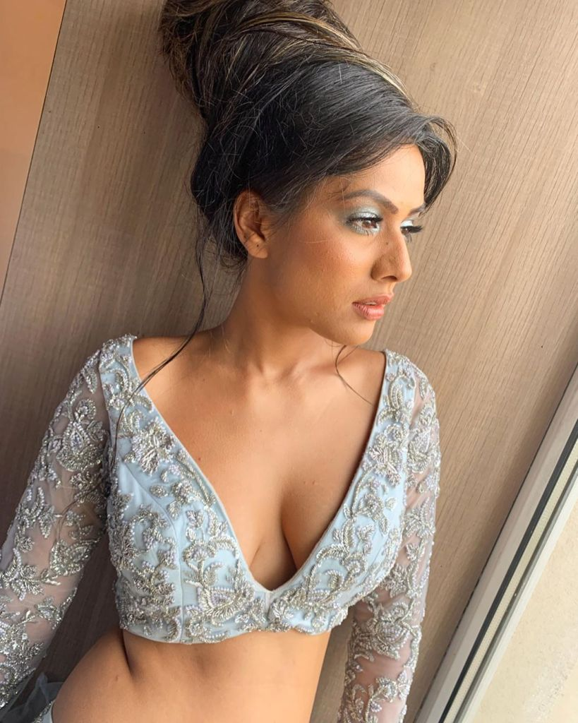 40+ Glamorous Photos of Nia Sharma 13