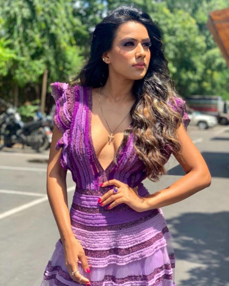 40+ Glamorous Photos of Nia Sharma 21