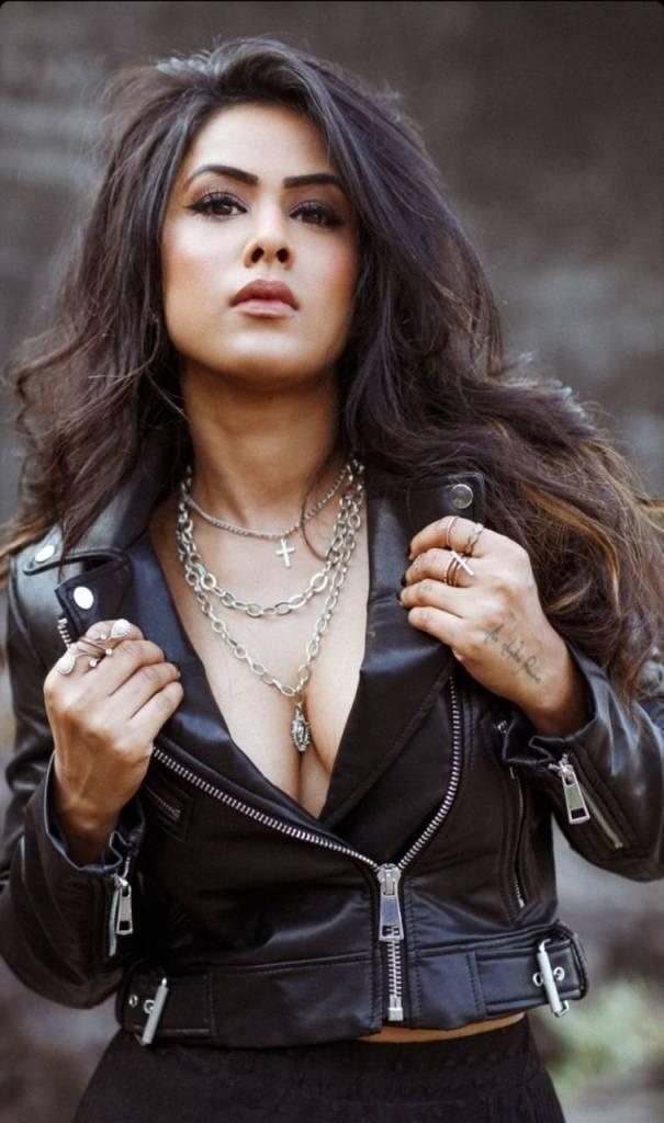 40+ Glamorous Photos of Nia Sharma 109
