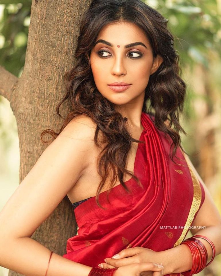 59+ Charming Photos of Parvati Nair 90