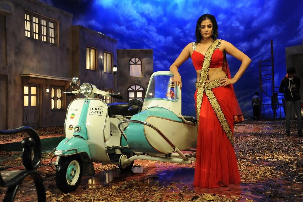 51+ Stunning Photos of Priyamani 29