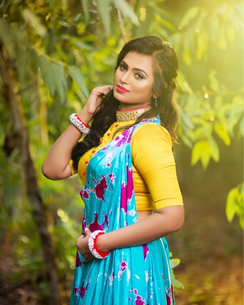 59+ Gorgeous Photos of Ramya Pandiyan 21