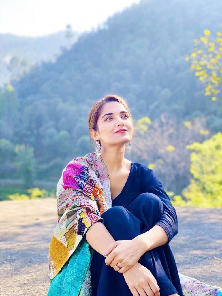 89+ Gorgeous Photos of Ruhani Sharma 73