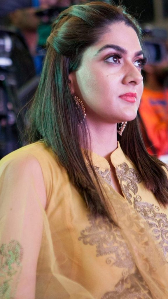 32+ Gorgeous Photos of Sakshi Choudhary 20