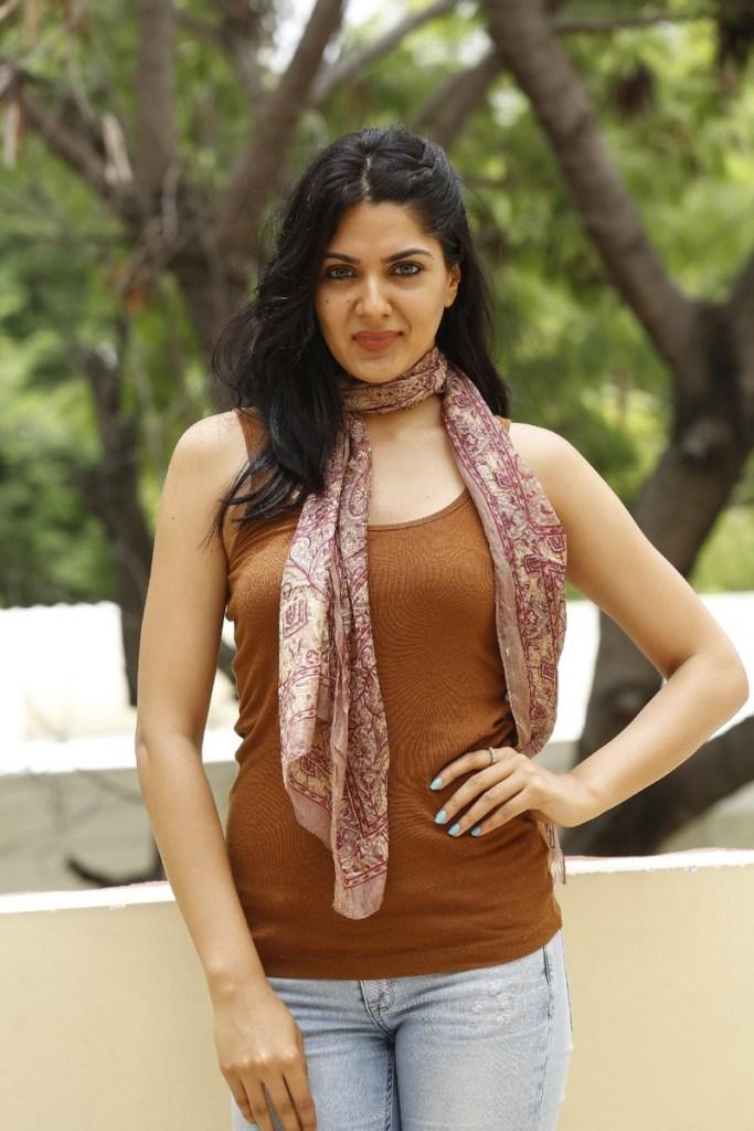 32+ Gorgeous Photos of Sakshi Choudhary 26