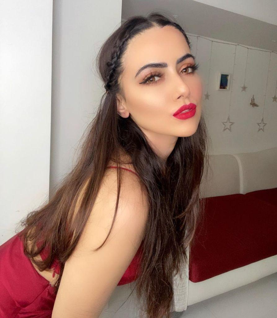 43+ Lovely Photos of Sana Khan 39