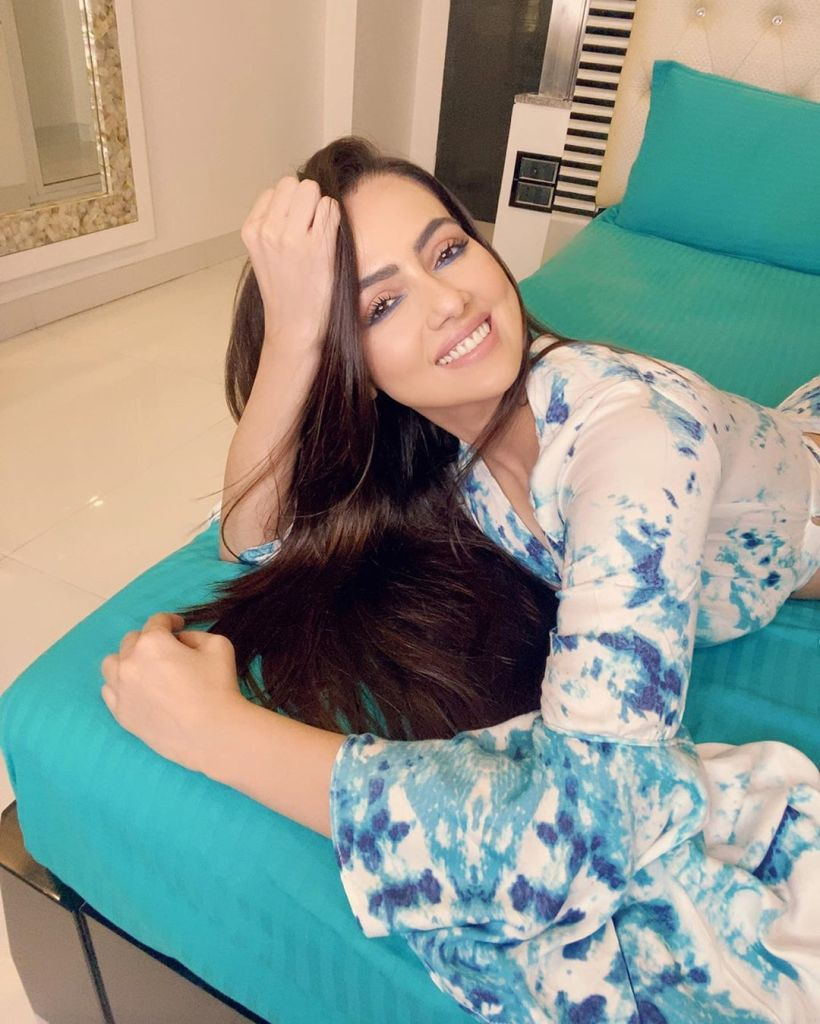 43+ Lovely Photos of Sana Khan 41