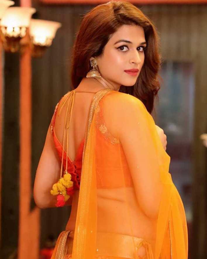 38+ Gorgeous Photos of Shraddha das 10