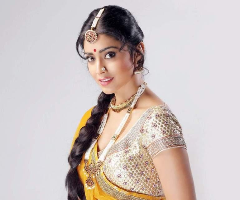 69+ Gorgeous Photos of Shriya Saran 119