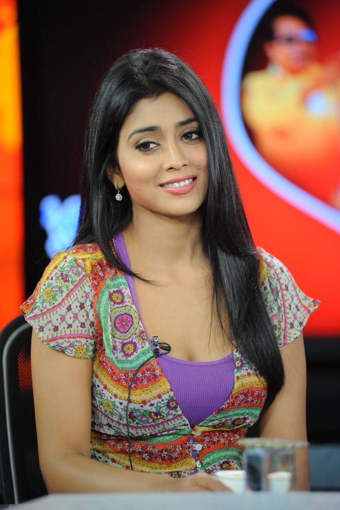 69+ Gorgeous Photos of Shriya Saran 138
