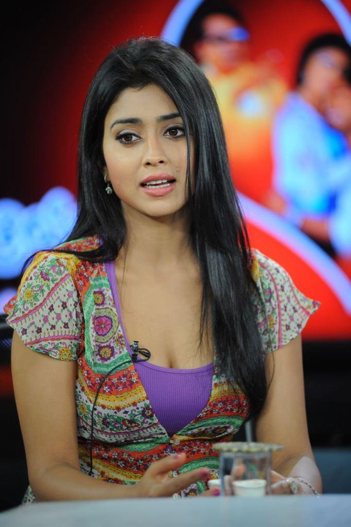 69+ Gorgeous Photos of Shriya Saran 142