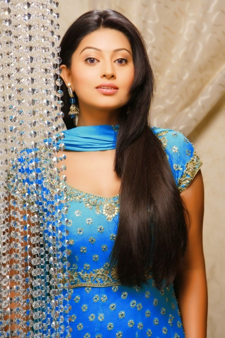 Sneha Prasanna Wiki, Age, Biography, Movies, web series, and Beautiful Photos 27