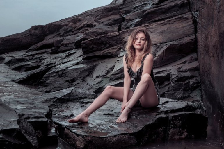 43+ Gorgeous Photos of Sneha Ullal 34