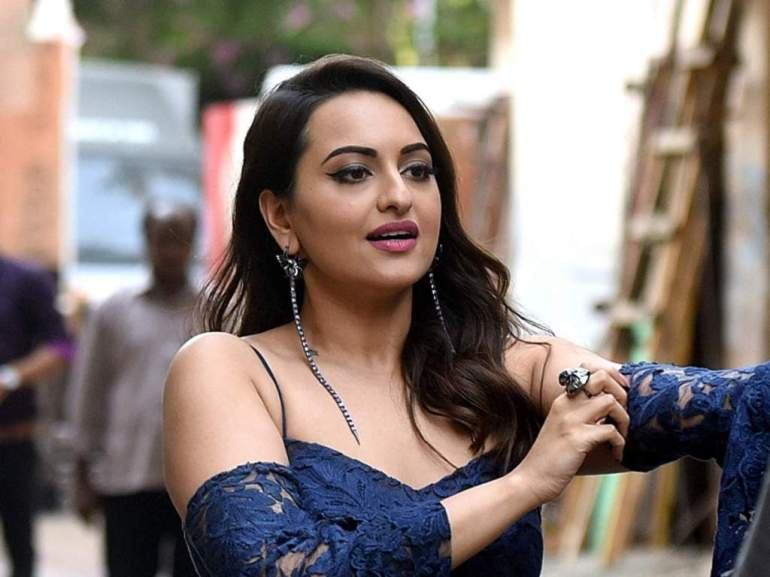 57+ Gorgeous Photos of Sonakshi Sinha 129