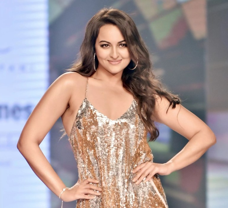 57+ Gorgeous Photos of Sonakshi Sinha 142