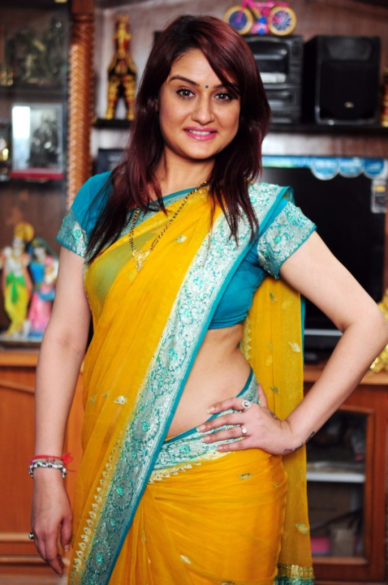 27+ Beautiful Photos of Sonia Agarwal 14