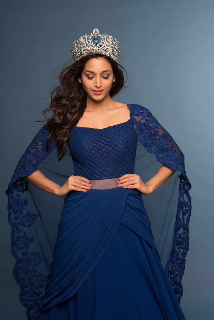 112+ Beautiful photos of Srinidhi Shetty 13