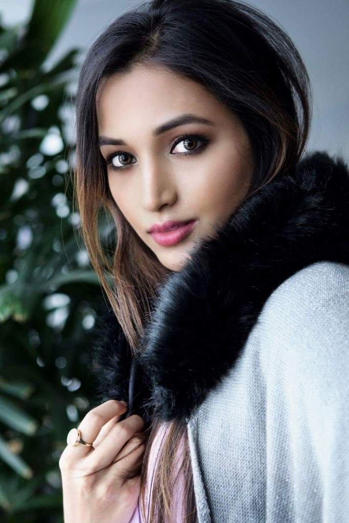 112+ Beautiful photos of Srinidhi Shetty 28