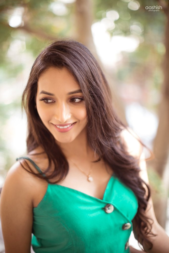 112+ Beautiful photos of Srinidhi Shetty 48