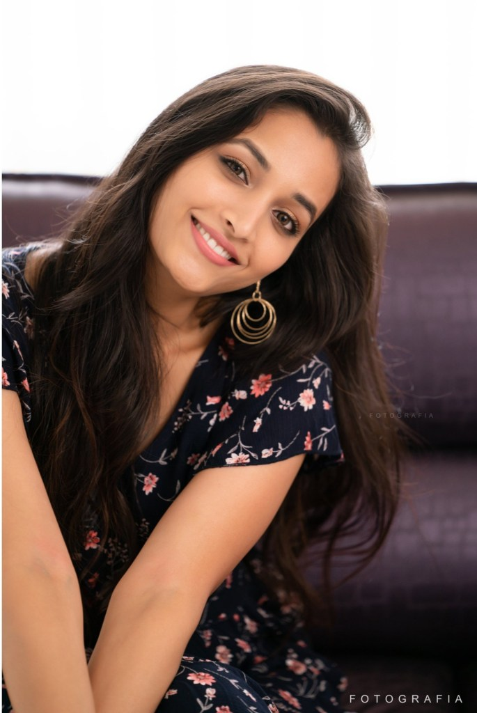 112+ Beautiful photos of Srinidhi Shetty 57