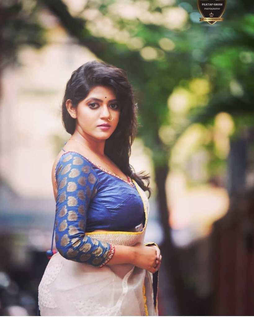 38+ Stunning Photos of Triya Das 3