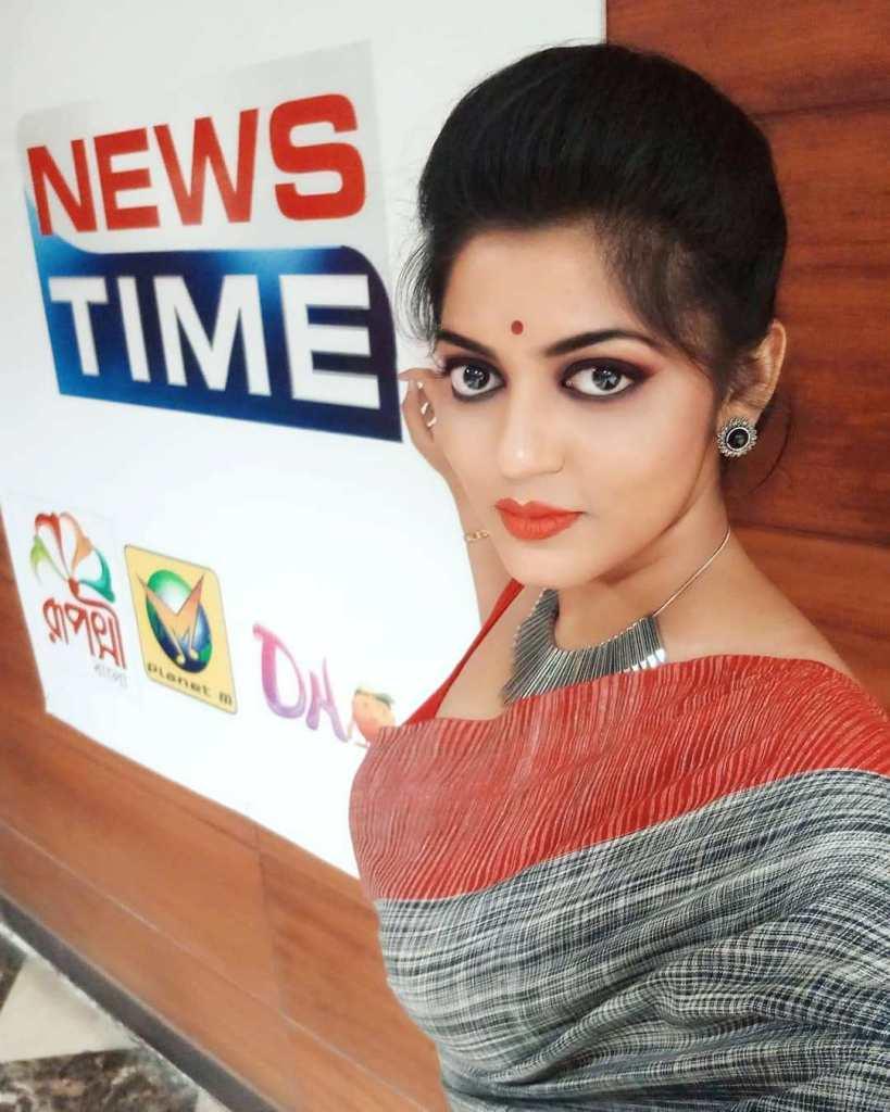 38+ Stunning Photos of Triya Das 14