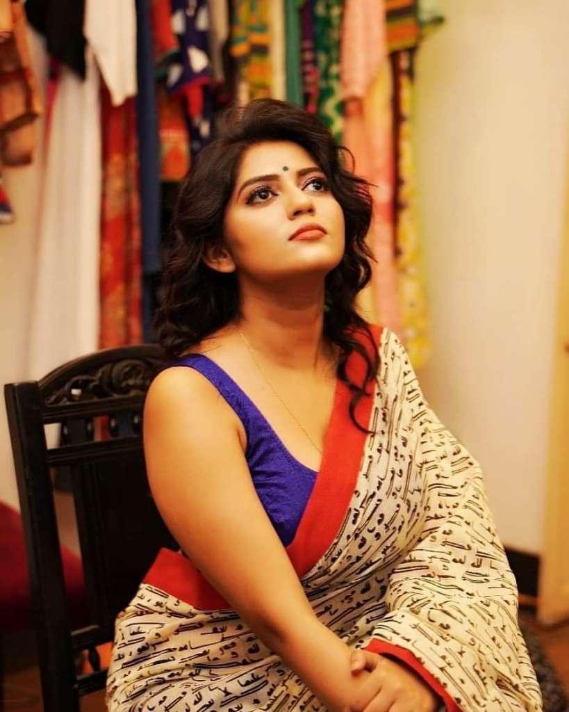 38+ Stunning Photos of Triya Das 8