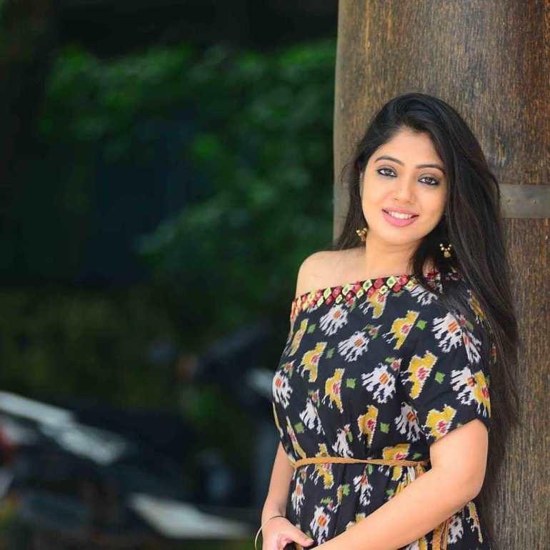 Veena Nandakumar Wiki, Biography and 76+ Gorgeous Photos 61