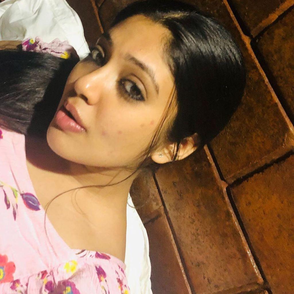 76+ Gorgeous Photos of Veena Nandakumar 22