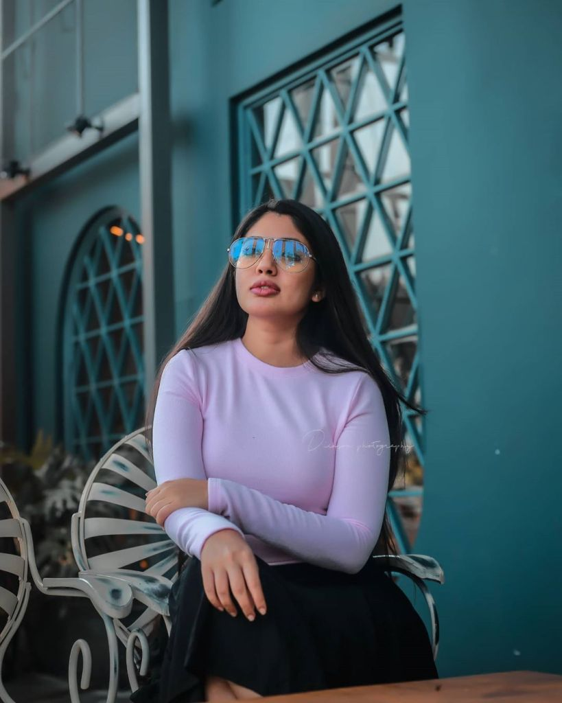 76+ Gorgeous Photos of Veena Nandakumar 28