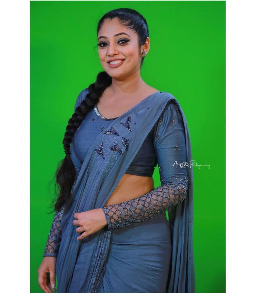 76+ Gorgeous Photos of Veena Nandakumar 30