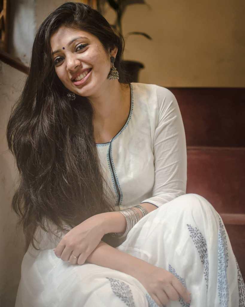76+ Gorgeous Photos of Veena Nandakumar 8