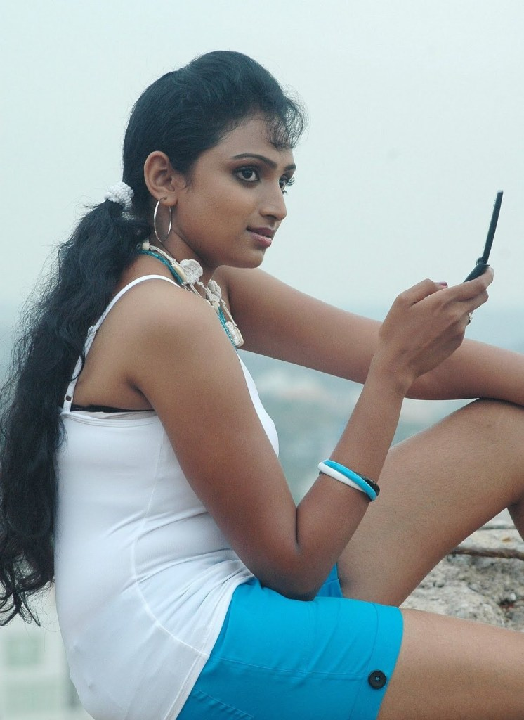 18+ Beautiful Photos of Waheeda 102