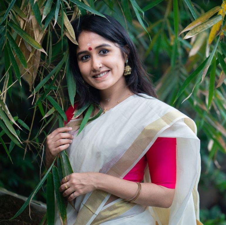 64+ Cute Photos of Haritha Parokod 101