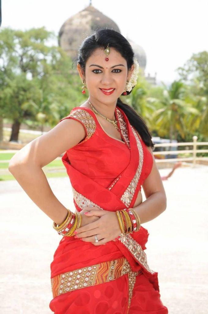 44+ Beautiful photos of Kamna Jethmalani 87