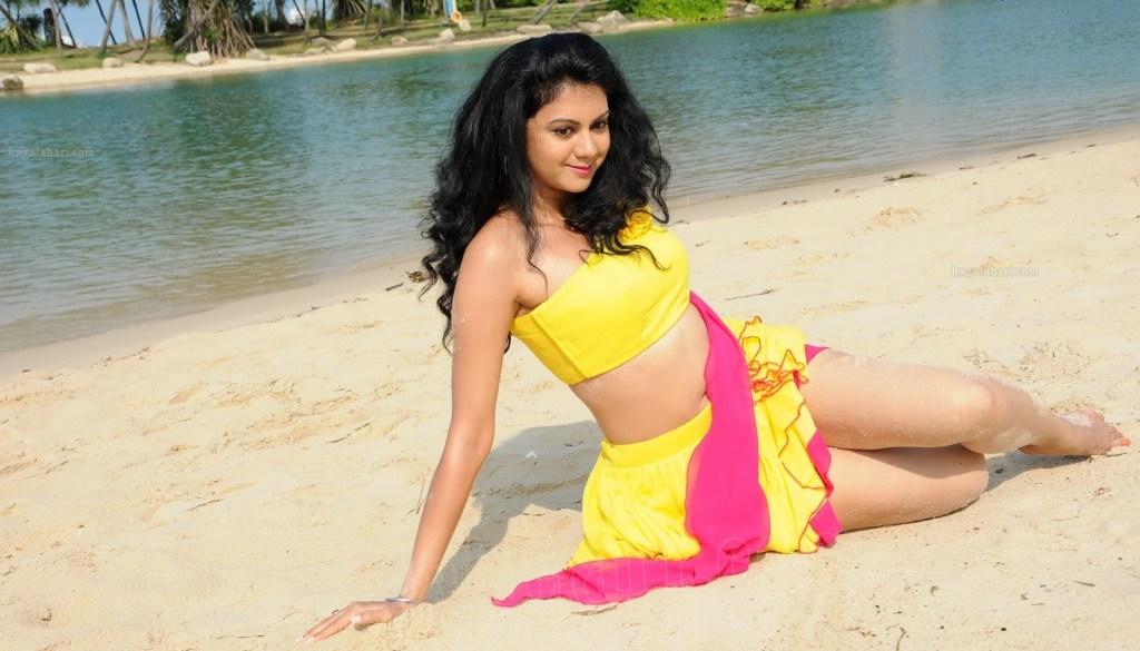 44+ Beautiful photos of Kamna Jethmalani 23