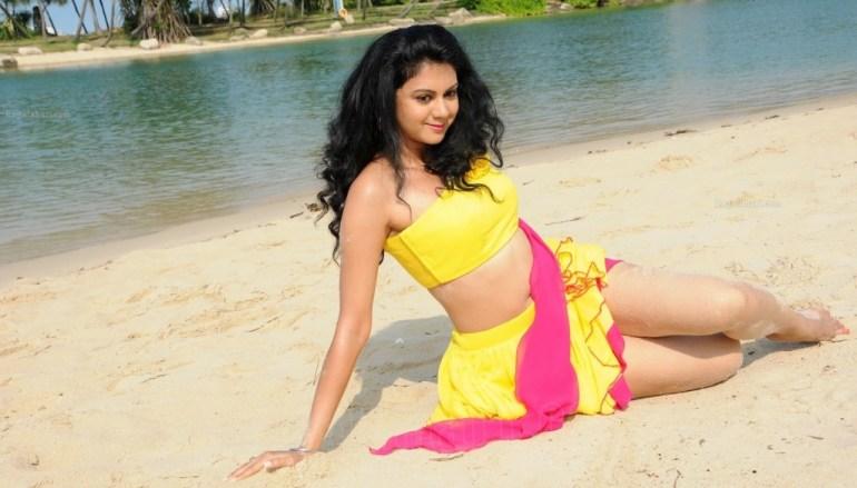 44+ Beautiful photos of Kamna Jethmalani 106
