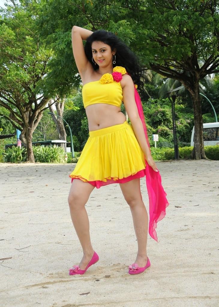 44+ Beautiful photos of Kamna Jethmalani 25