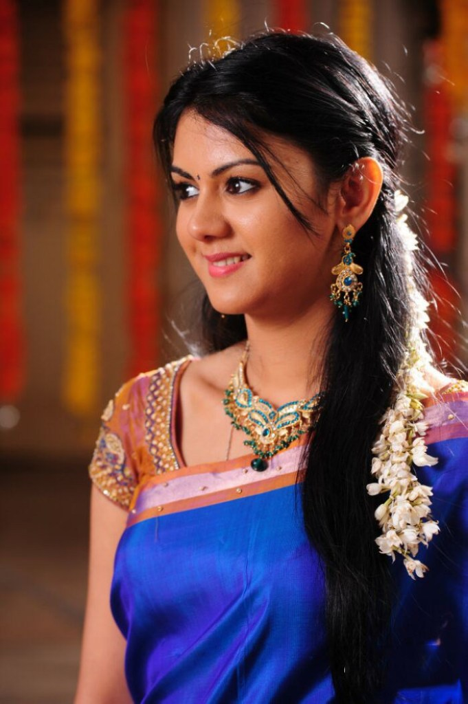 44+ Beautiful photos of Kamna Jethmalani 29