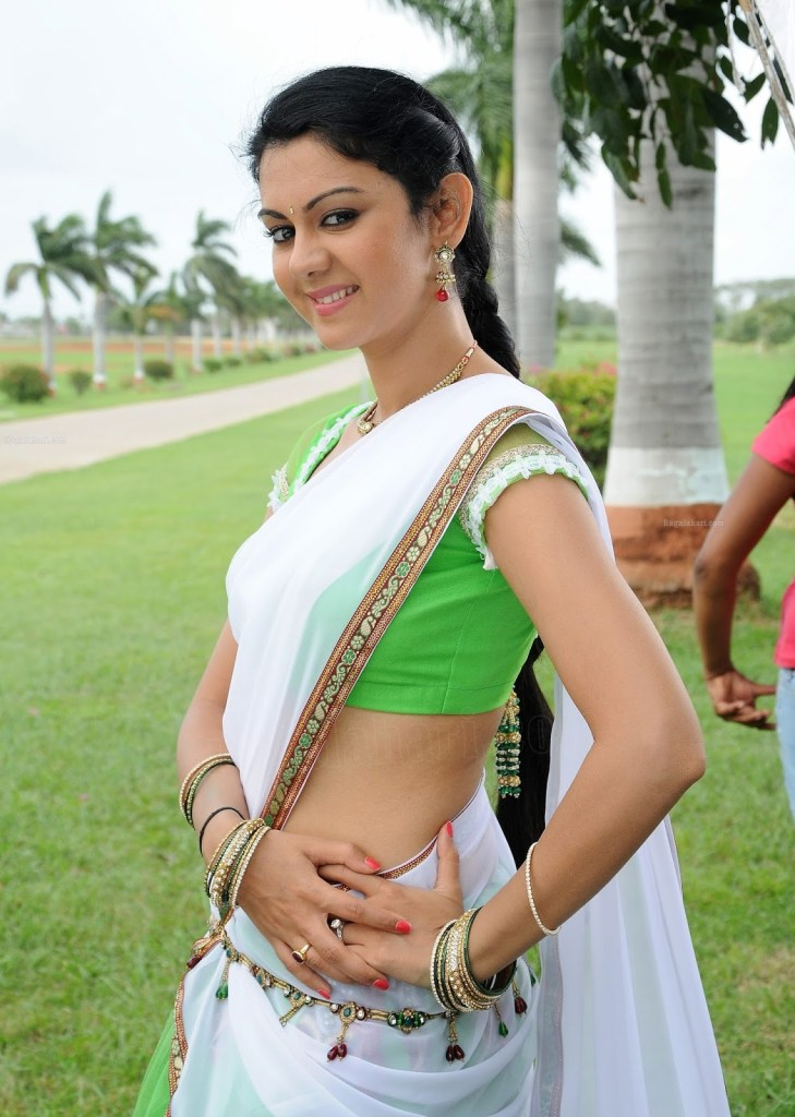 44+ Beautiful photos of Kamna Jethmalani 36