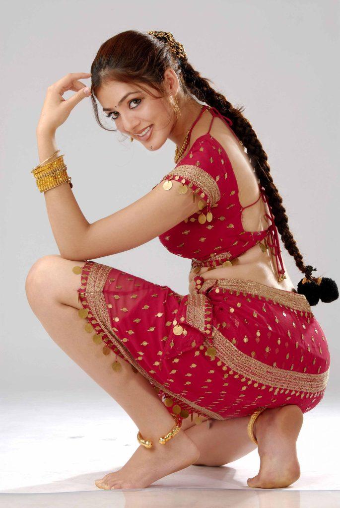 39+ Gorgeous Photos of Parvathi Melton 40