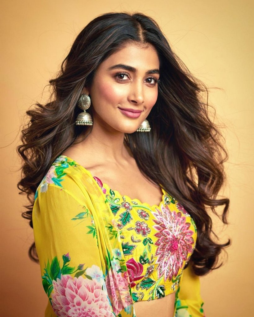 129+ Gorgeous Photos of Pooja Hegde 31