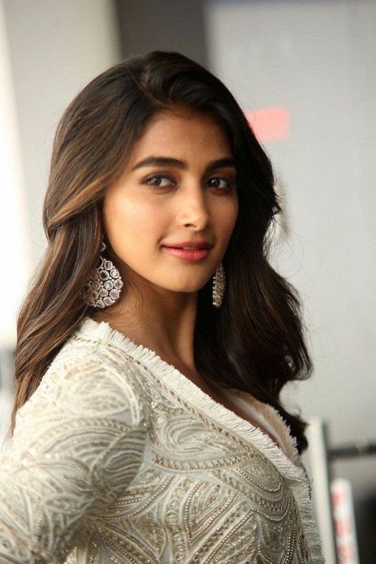 129+ Gorgeous Photos of Pooja Hegde 117