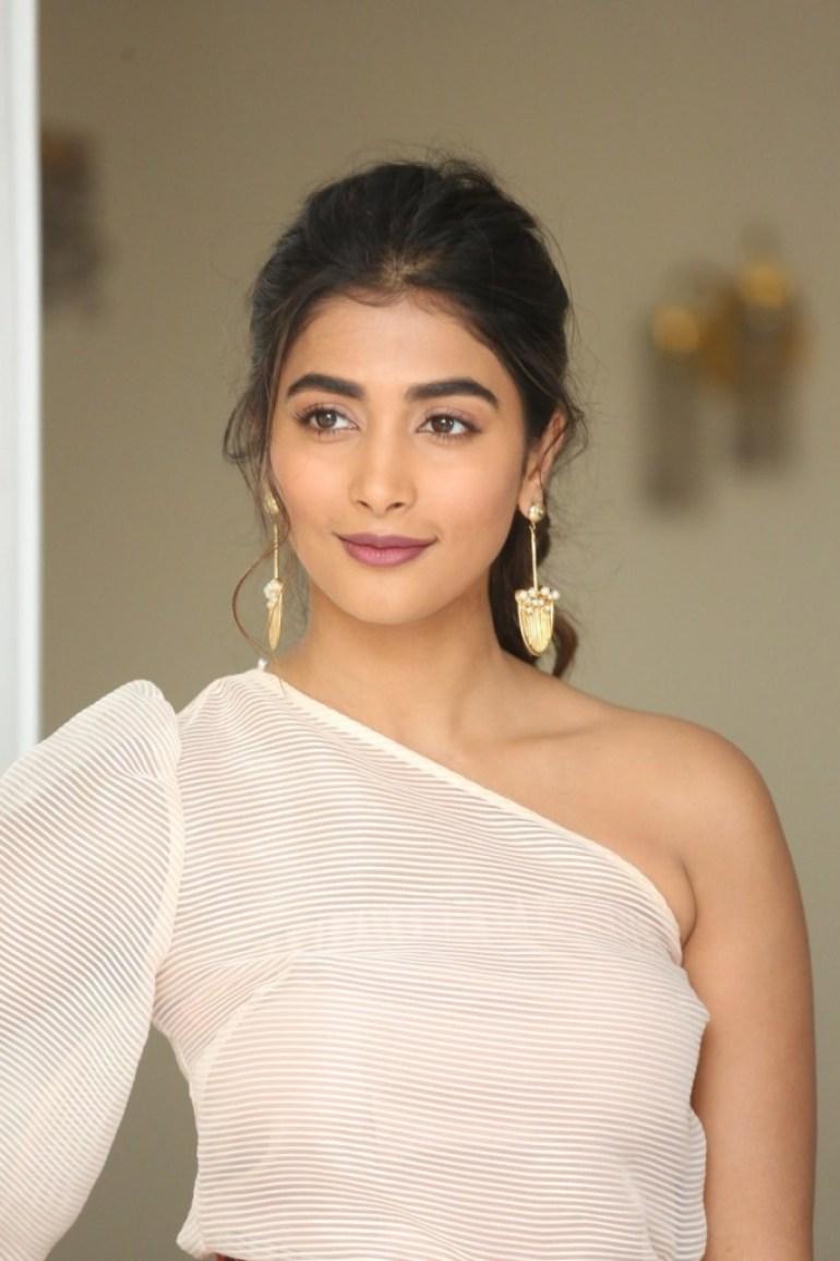 129+ Gorgeous Photos of Pooja Hegde 206