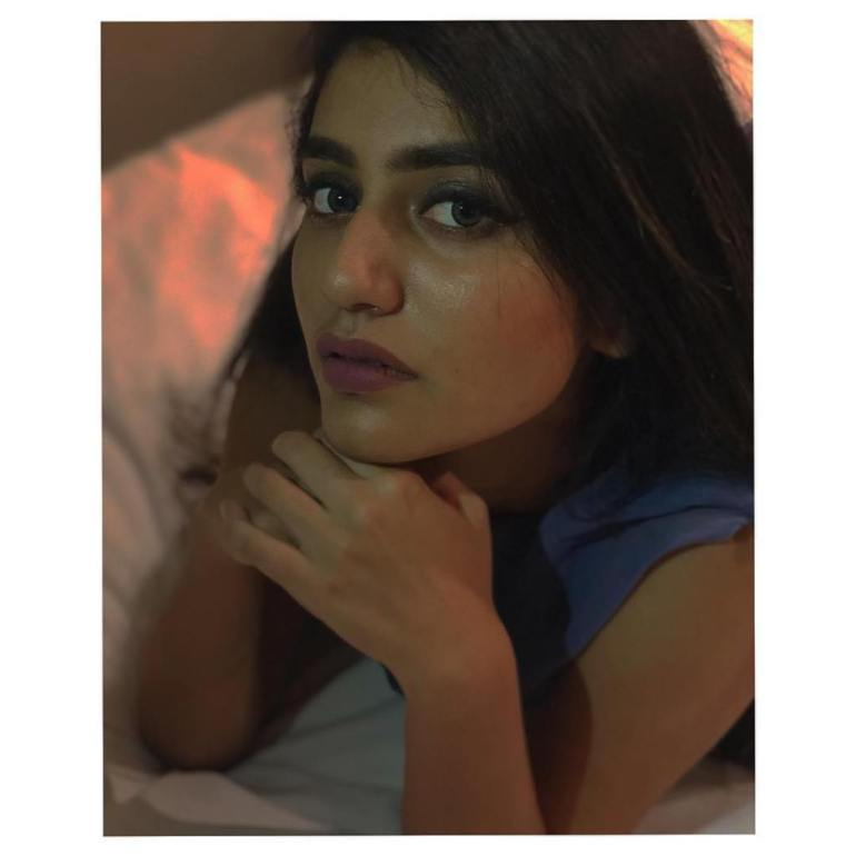 108+ Cute Photos of Priya Prakash Varrier 29
