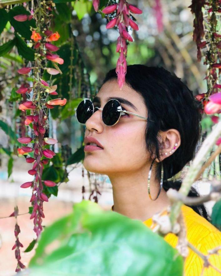 108+ Cute Photos of Priya Prakash Varrier 51