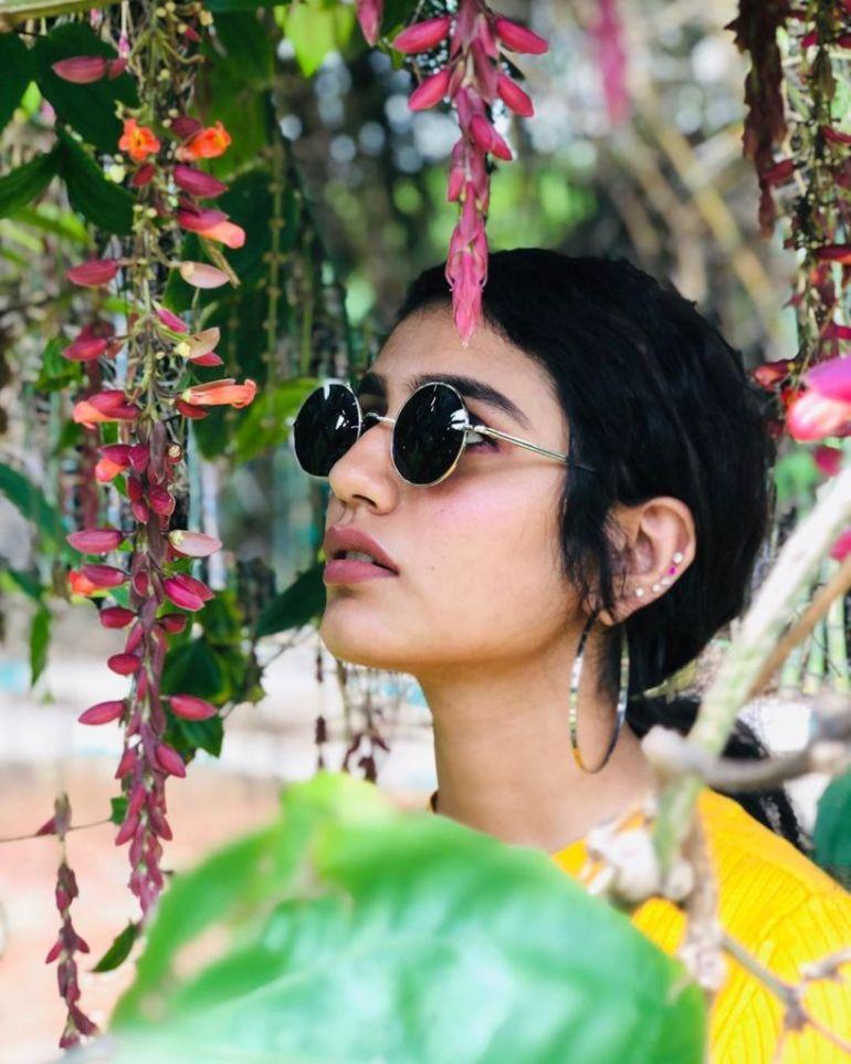 108+ Cute Photos of Priya Prakash Varrier 135
