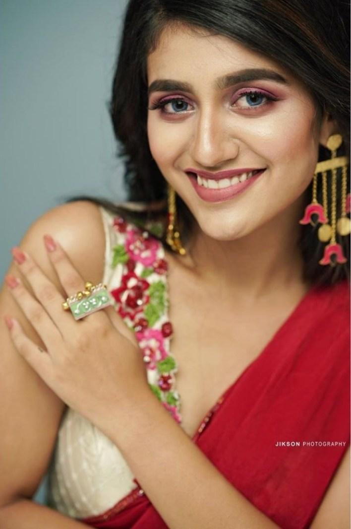 108+ Cute Photos of Priya Prakash Varrier 56